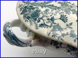 Beautiful antique vintage blue and white porcelain soup tureen lidded floral