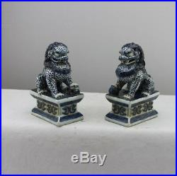 Chinese Old Pair Marked Blue And White Porcelain Foo Dogs Statues