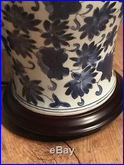 Vintage C 2000 Large Classic Blue & White Ceramic Table Lamp 8 W X 16 Tall