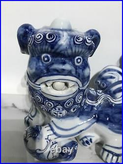 Vintage Chinese Large Pair Blue & White Porcelain Foo Dog Statues 8.5 Tall