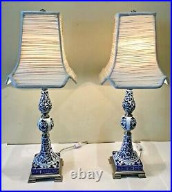 Vintage Pair Bombay Chinese Porcelain Blue and White Buffet Table Lamp 26